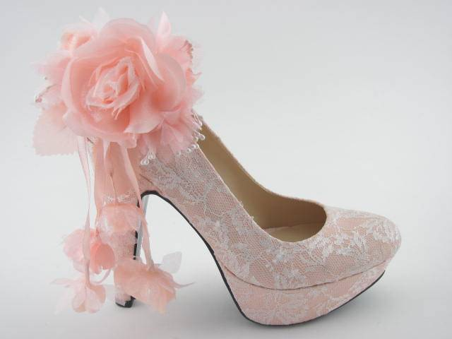 How to Design Your Own Bridal Shoe