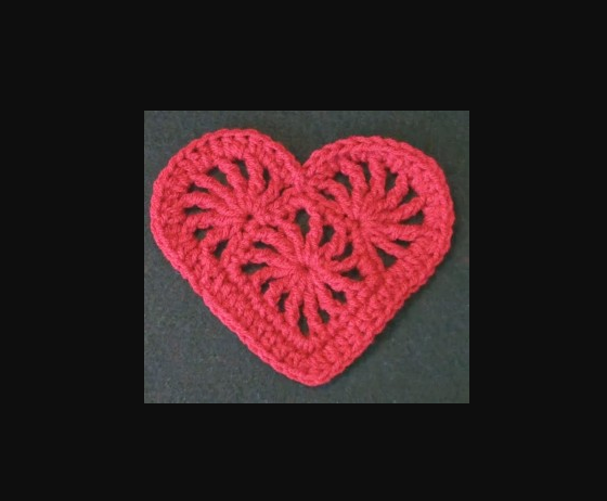 How to Make a Heart Patterned Vest ?