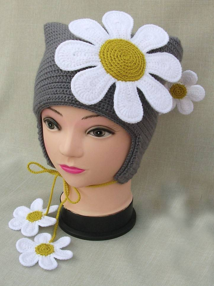 Giant Chamomile Motif Knitted Beret Models